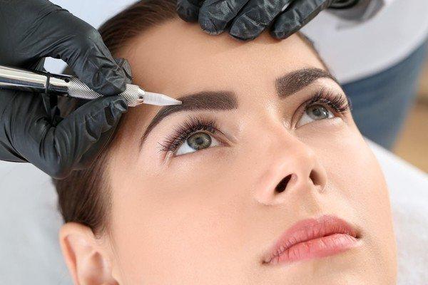 5 причин, из-за которых все больше девушек отказываются от перманентного макияжа